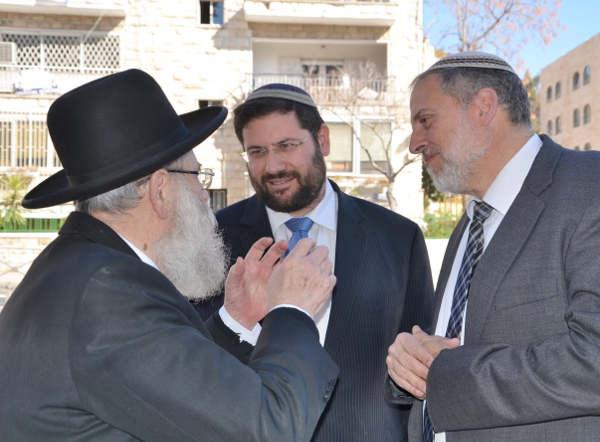 Rabbi-Stern-Rabbi-Berman-Tzvi-Sand